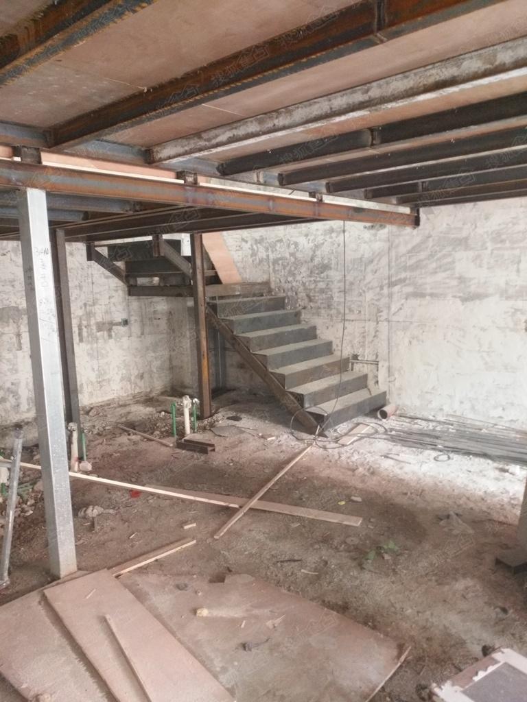 苏州钢结构阁楼,挑高楼加层,复试楼隔层,钢结构楼梯,楼梯扶手