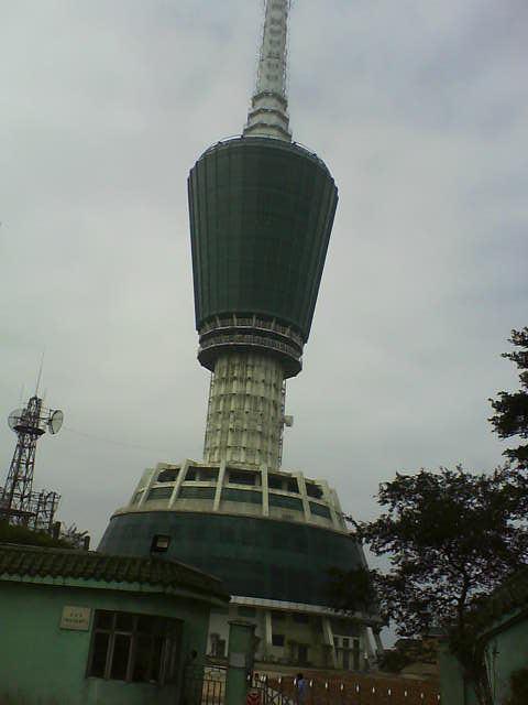 深圳电视广播信号发射塔