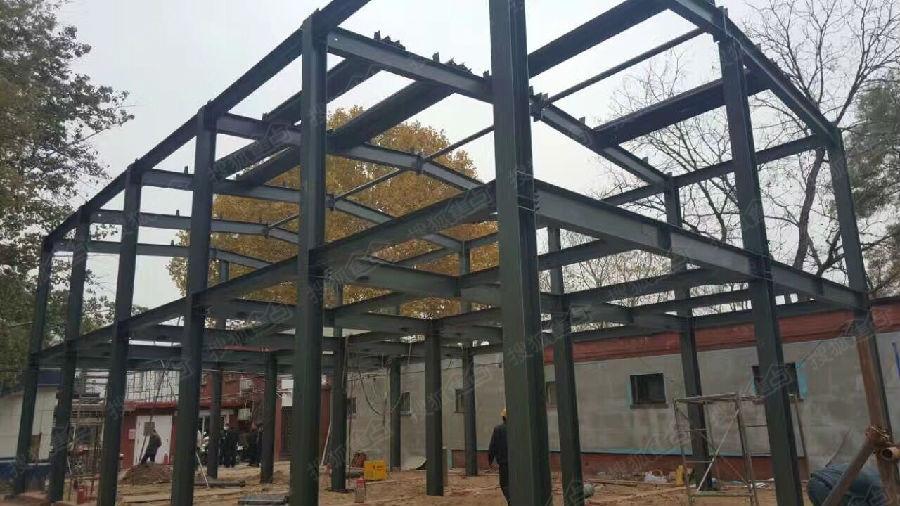 专业做(别墅,复式楼,坡屋顶各种挑空夹层阁楼)钢结构.