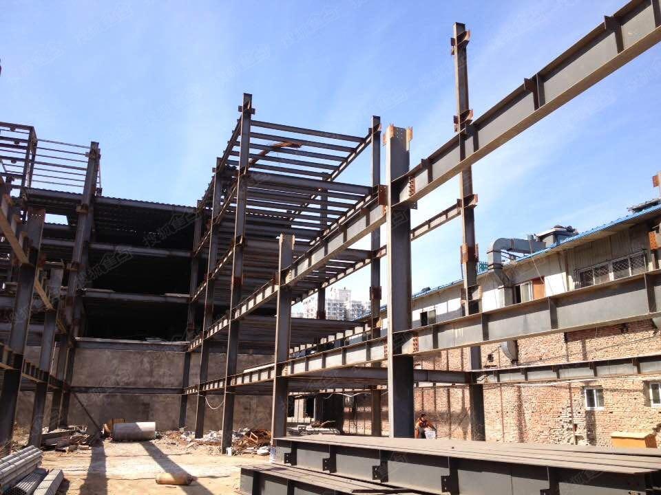 专业做(别墅,复式楼,坡屋顶各种挑空夹层阁楼)钢结构,土建