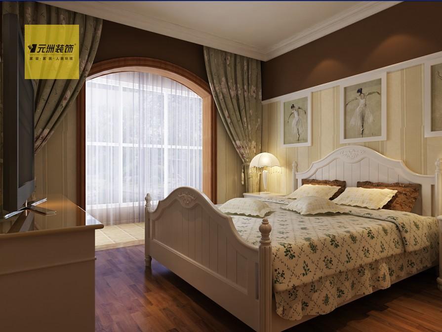 卧室:白色的顶角线和花色壁纸搭配让卧室更显温馨.高清图片