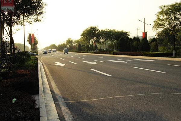 龙城大街区位交通价值解析
