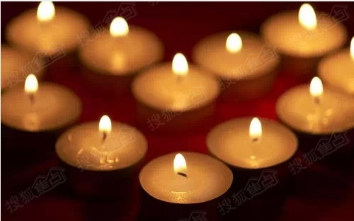 贴出你的答案】小明点了8根蜡烛,风吹灭了3根,然后又被吹灭了2根