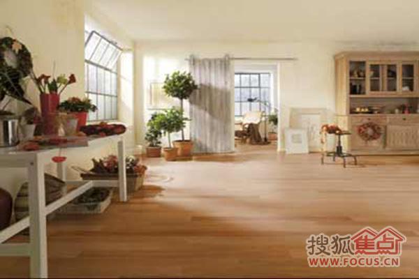 与家居风格互配!客厅木地板推荐